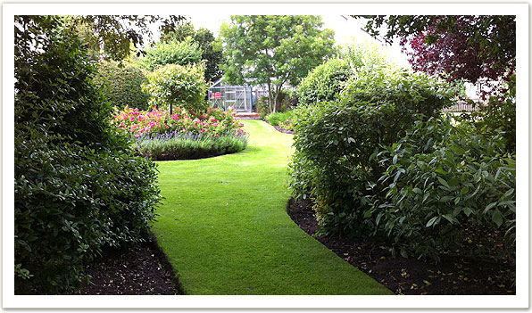 Commercial garden maintenance